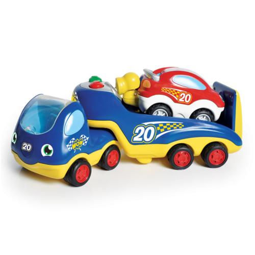 Rocco nagy autóversenye - WOW