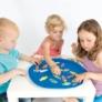 Kép 2/4 - cukorkak-gyerekek jatszanak
