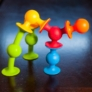 Kép 4/5 - Squigz: Tapadós építő (kezdő szett) - Fat Brain Toys